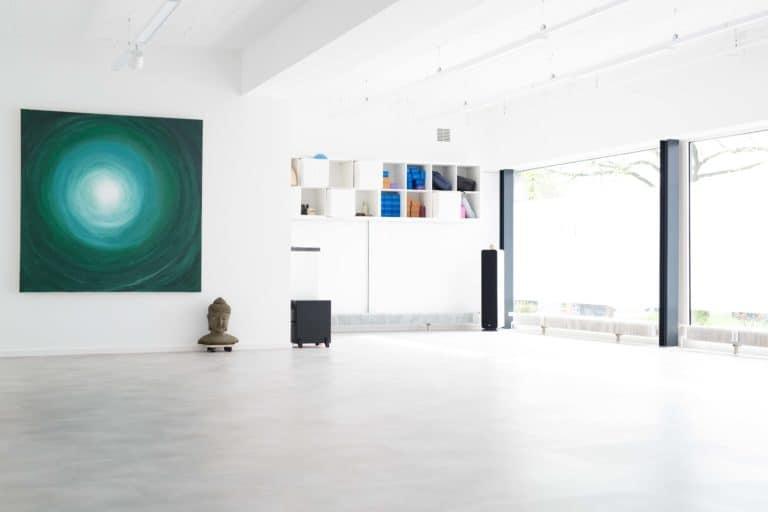 Bewegungsraum mit Yoga-Equipment in der der FYTT location in Hamburg Nord Groß Borstel